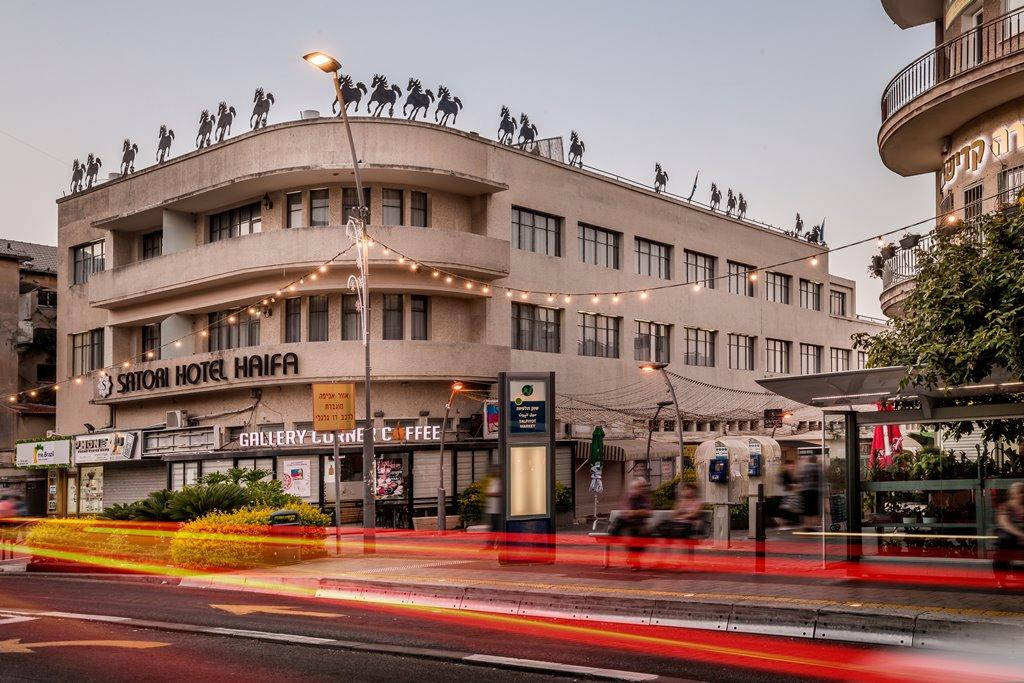 מבנה המלון מבחוץ